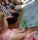 Opowiem ci mamo co robią żaby… w przedszkolu