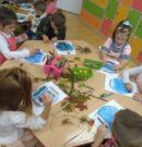 Przedszkolaki z Tłumaczowa przy pracy…
