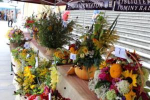 BPMiG Radkow 5 festiwal kwiatow przyjmowanie i ekspozycja kompozycji 25