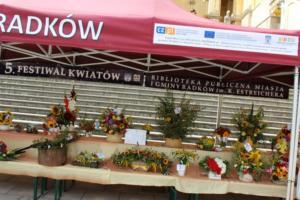 BPMiG Radkow 5 festiwal kwiatow przyjmowanie i ekspozycja kompozycji 37