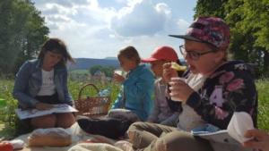 BPMiG Radkow piknik z ksiazka Wambierzyce07