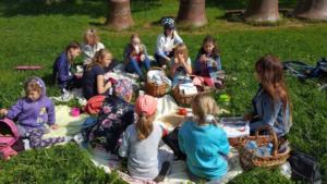 BPMiG Radkow piknik z ksiazka Wambierzyce11