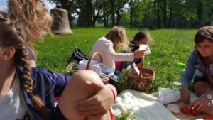 BPMiG Radkow piknik z ksiazka Wambierzyce24