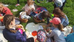 BPMiG Radkow piknik z ksiazka Wambierzyce28