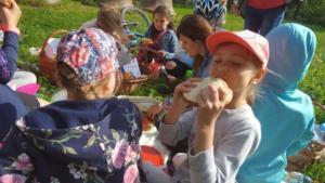 BPMiG Radkow piknik z ksiazka Wambierzyce33