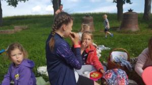 BPMiG Radkow piknik z ksiazka Wambierzyce34