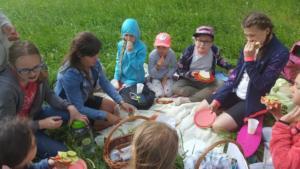 BPMiG Radkow piknik z ksiazka Wambierzyce36