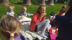 BPMiG Radkow piknik z ksiazka Wambierzyce38