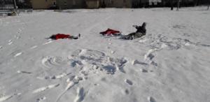 BPMiGRadkowi Zabawy na sniegu Scinawka Dolna00002