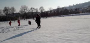 BPMiGRadkowi Zabawy na sniegu Scinawka Dolna00003