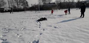 BPMiGRadkowi Zabawy na sniegu Scinawka Dolna00005