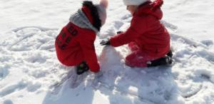BPMiGRadkowi Zabawy na sniegu Scinawka Dolna00013