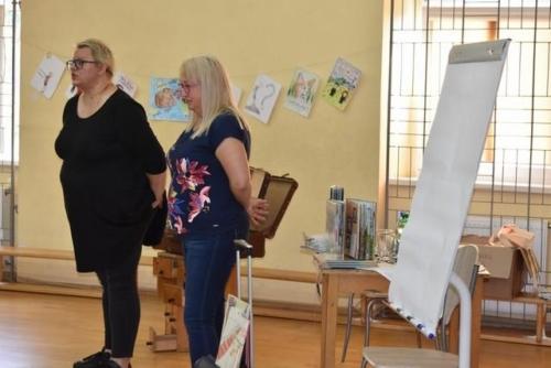 BPMiG Radkow Dolna walizka pelna ksiazeki23