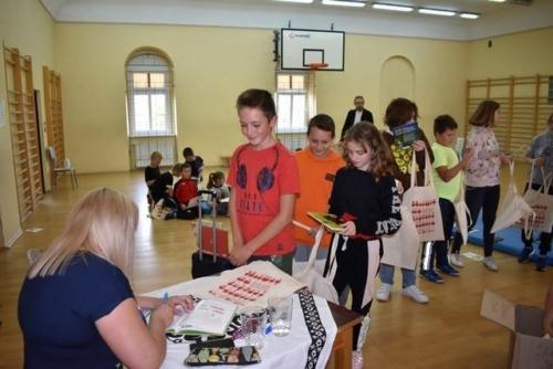 BPMiG Radkow Dolna walizka pelna ksiazeki34