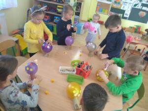 F3 Tlumaczow osmiornice balony1
