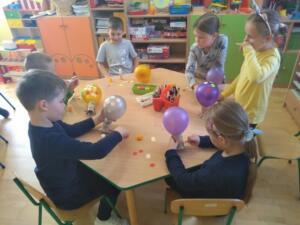 F3 Tlumaczow osmiornice balony10
