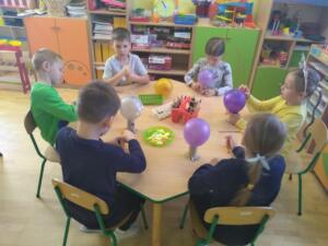 F3 Tlumaczow osmiornice balony11