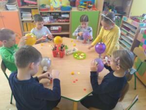 F3 Tlumaczow osmiornice balony13