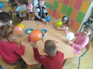 F3 Tlumaczow osmiornice balony3
