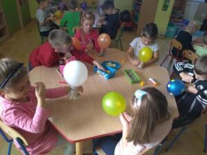 F3 Tlumaczow osmiornice balony6