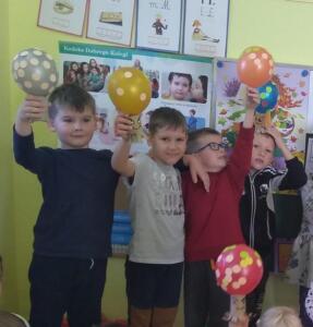 F3 Tlumaczow osmiornice balony7
