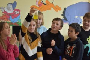 BPMiGRadkow Eksperymenty Scinawka Srednia klasa6a00030