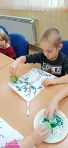 F4 jesienne drzewa zajecia przedszkolaki12