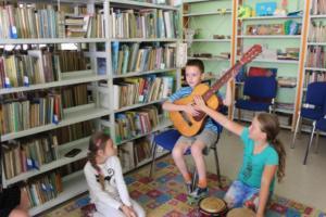 BPMiG Radkow zajecia muzyczne Ania kl II Sc Srednia 19
